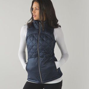 Lululemon Navy Down For A Run Vest SZ 10
